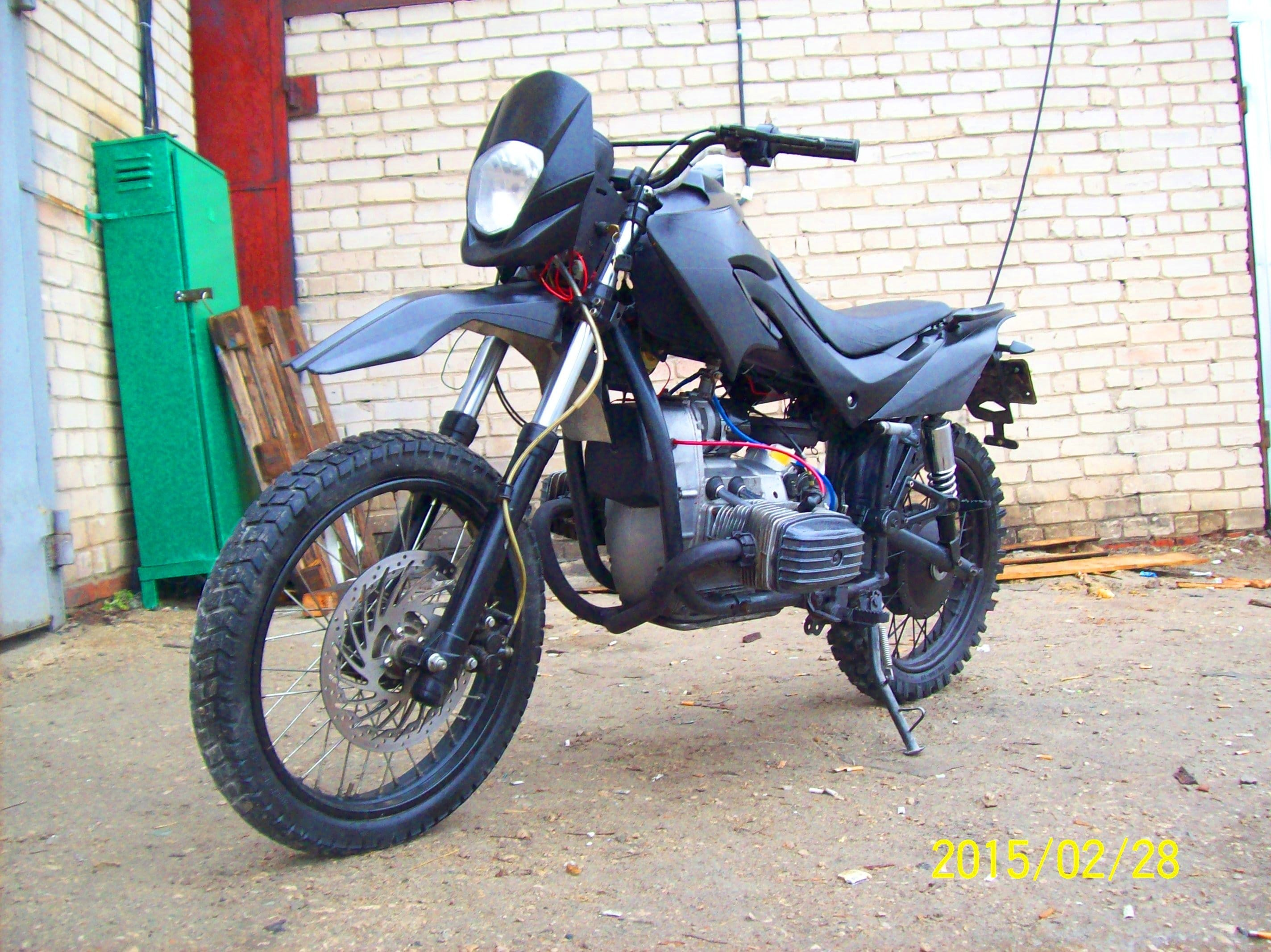 a nice enduro motorbike built from a Dnipro MT